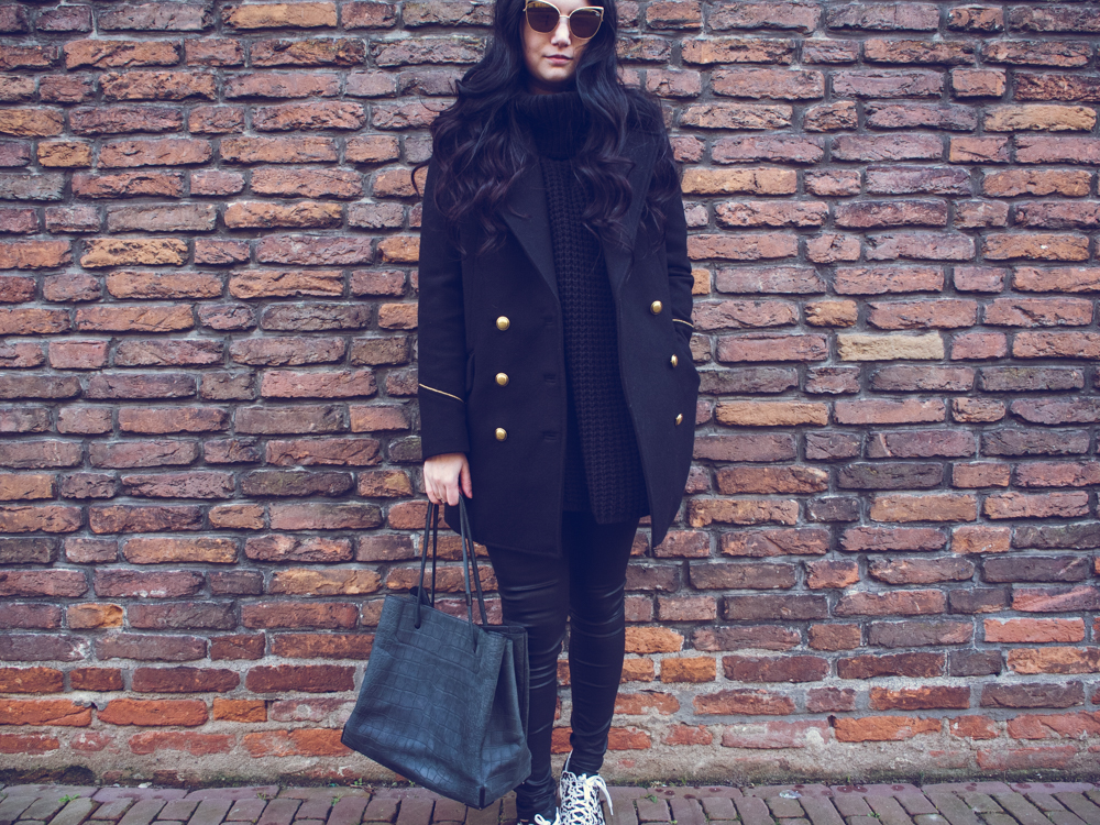 CAT EYES | TheChicItalian | Outfit with my Quay LANA sunglasses, Mango coat, turtleneck sweater & more
