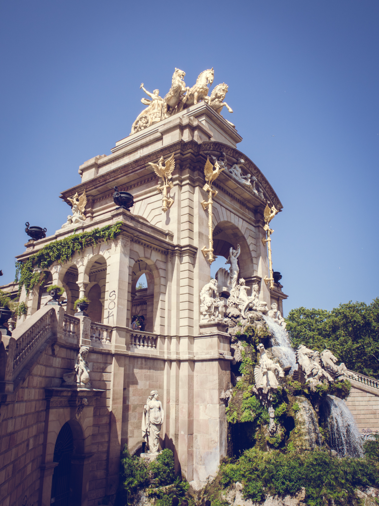 BARCELONA PART ONE || THECHICITALIAN || An impression of my trip to Barcelona