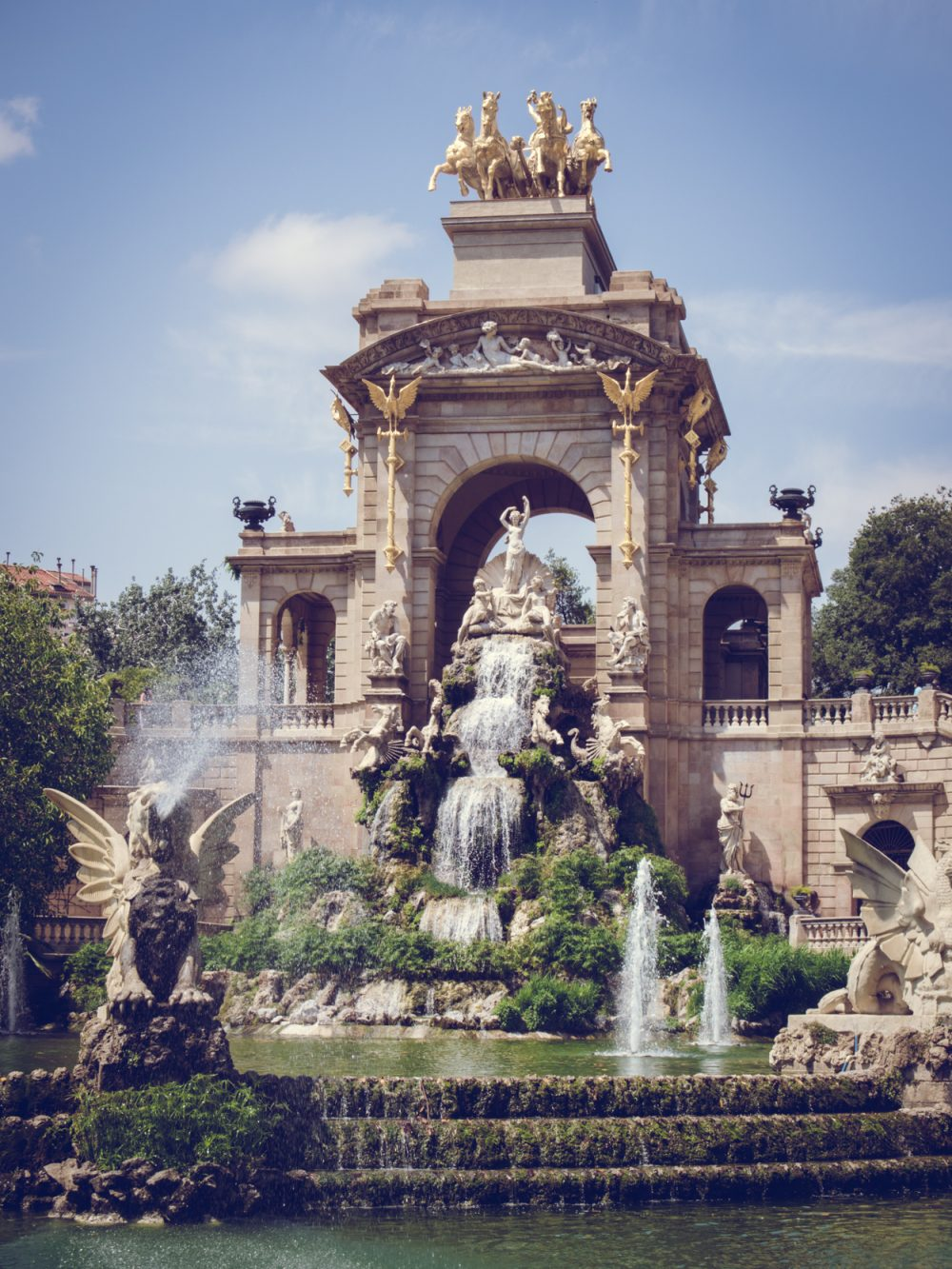 BARCELONA PART TWO || THECHICITALIAN || Part two of an impression of my trip to Barcelona