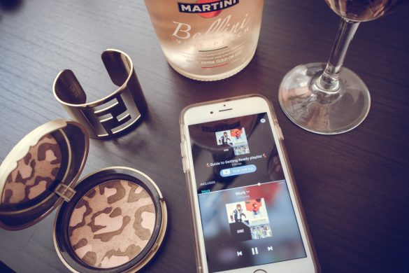 GUIDE TO GETTING READY PLAYLIST || THECHICITALIAN || Sharing my playlist for a night out via the Airtime app