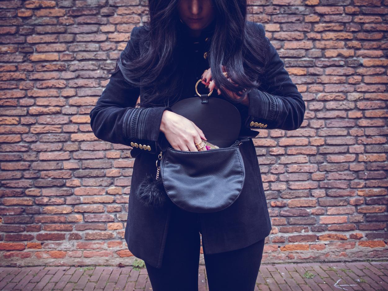 ZARA VELVET BLAZER    THECHICITALIAN    Outfit with my new Zara velvet blazer, Zoe Karssen striped t-shirt & other wardrobe essentials
