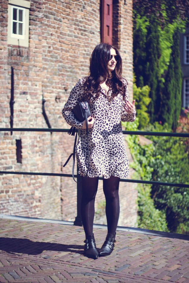 4 WORK WARDROBE OUTFITS | THECHICITALIAN | The printed dress is a fool proof professional outfit item