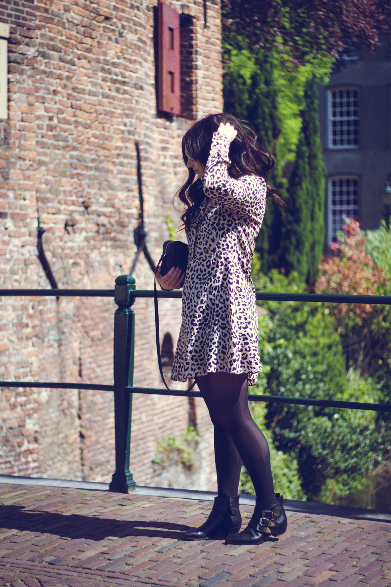 4 WORK WARDROBE OUTFITS   THECHICITALIAN   The printed dress is a fool proof professional outfit item