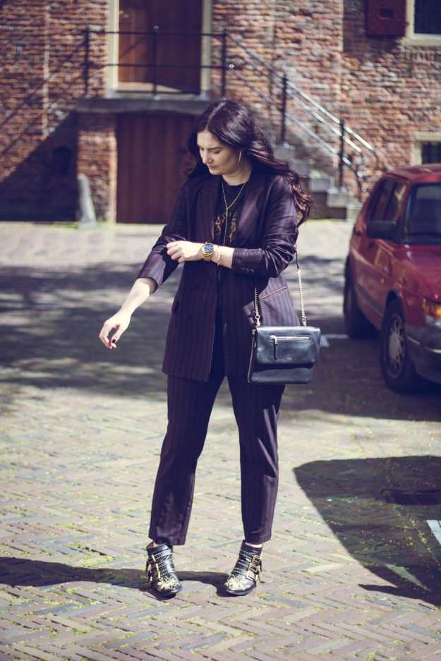 4 WORK WARDROBE OUTFITS   THECHICITALIAN   The power suit is for the true girlboss who wants to feel empowered