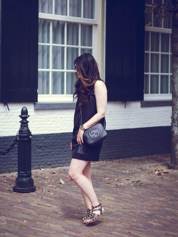 THE PERFECT CHIC LITTLE BLACK DRESS FOR DAY & NIGHT | THECHICITALIAN | Dress up your little black dress for a night out