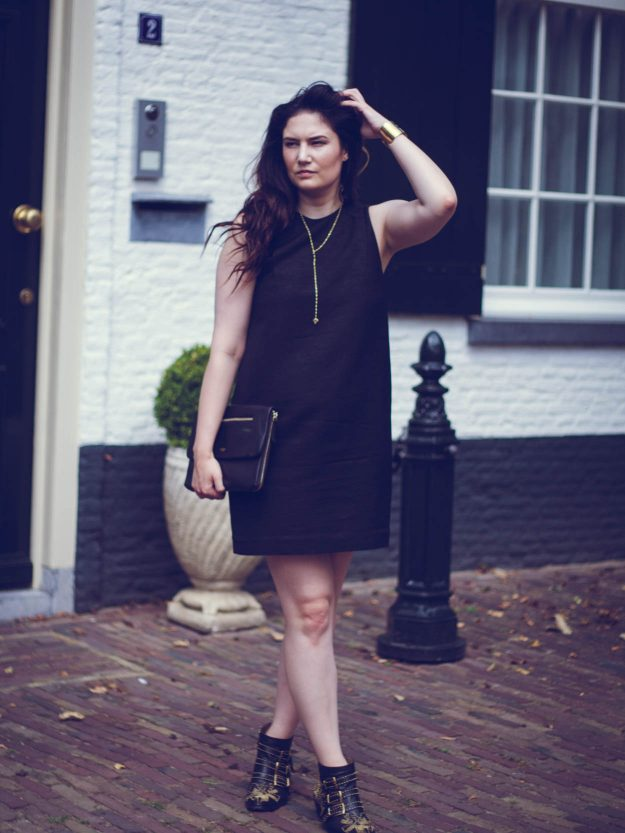 THE PERFECT CHIC LITTLE BLACK DRESS FOR DAY & NIGHT | THECHICITALIAN | Take your little black dress from day to night