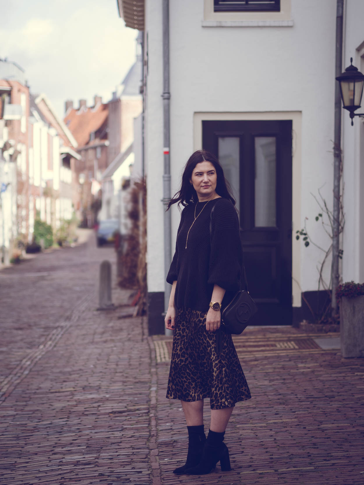 WHY YOU NEED A SLIP SKIRT IN YOUR WARDROBE   THECHICITALIAN   And how you can wear the satin skirt this season