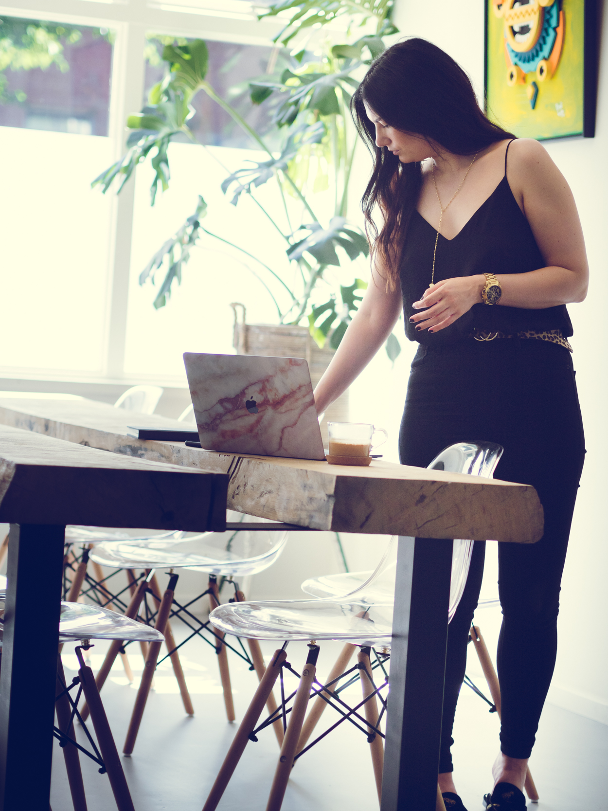 HOW TO COMBINE YOUR SIDE HUSTLE WITH A JOB AND OTHER RESPONSIBILITIES | THE CHIC ITALIAN | My personal tips on having a successful side hustle that brings you joy