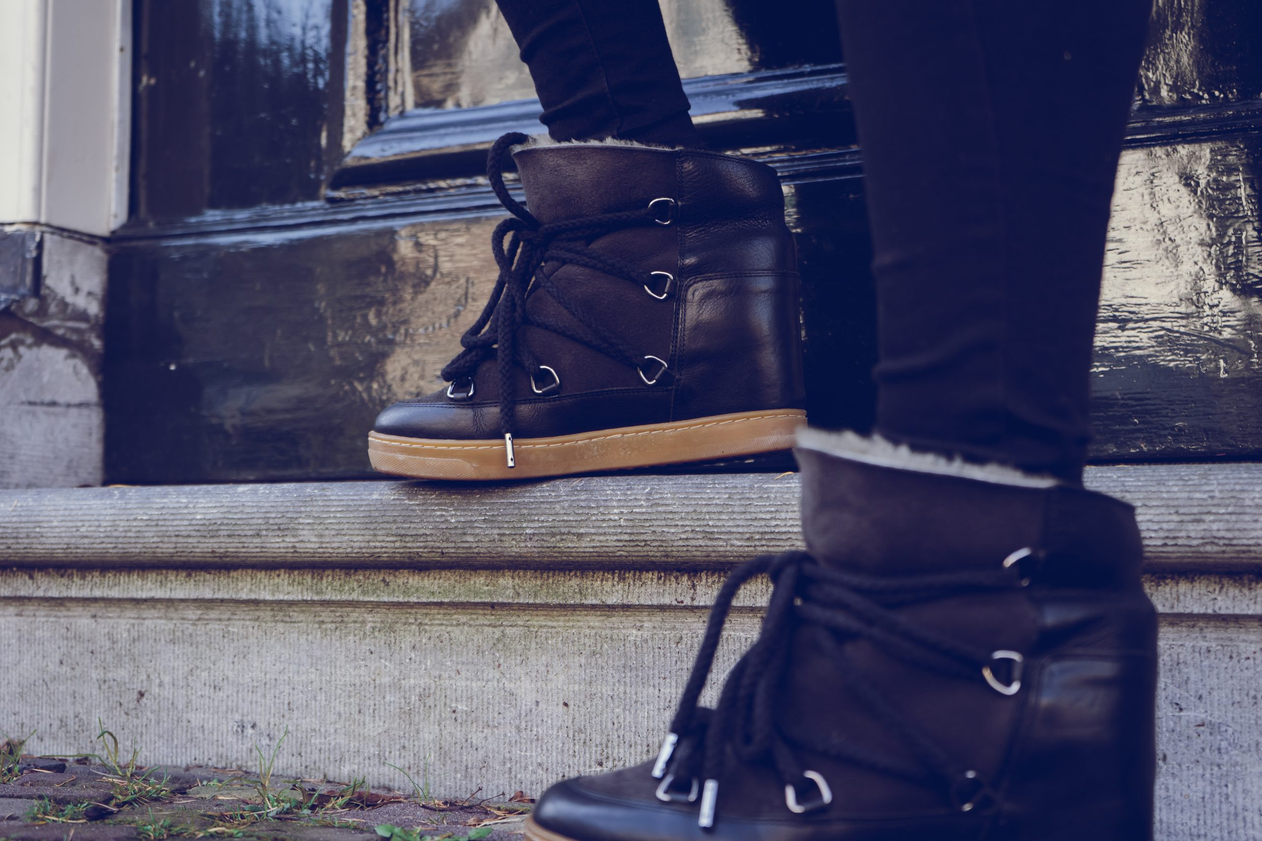 TO WEAR ISABEL MARANT NOWLES SNOW BOOTS